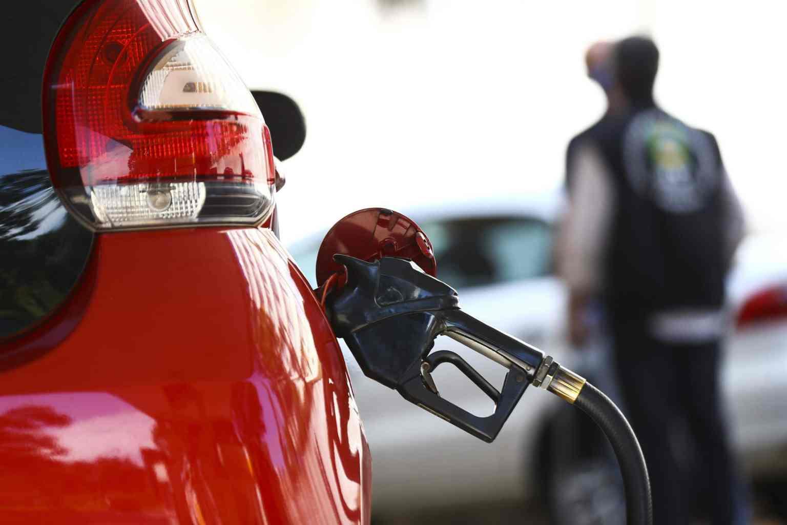 Carros a diesel e postos sem frentista