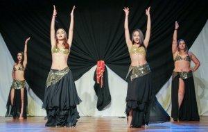 Dançarinas no palco de dança